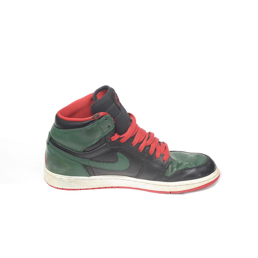 scarpe a nike adidas